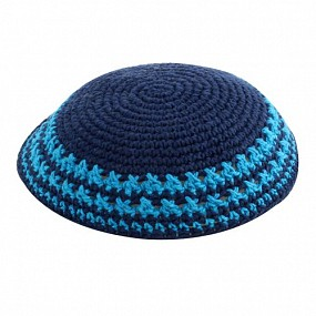 Thick knitted navy kippah with blue border